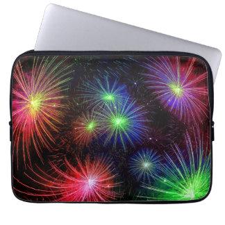 Ejemplo colorido de los fuegos artificiales mangas computadora