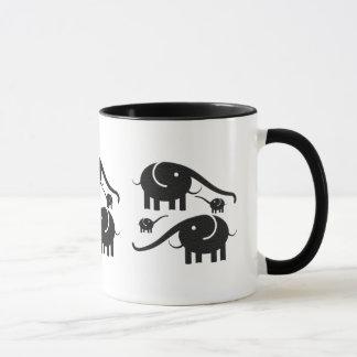 Ejemplo de cuero negro del elefante de la mirada taza