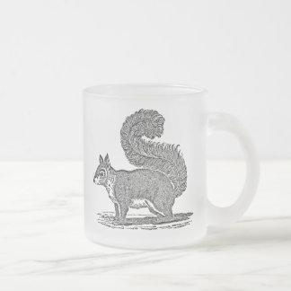 Ejemplo de la ardilla del vintage - ardillas taza de café esmerilada