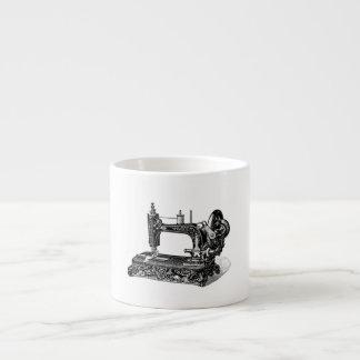 Ejemplo de la máquina de coser de los 1800s del vi taza espresso