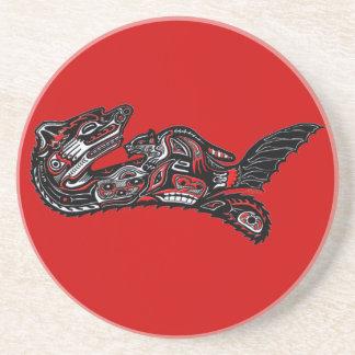 Ejemplo de la nutria del arte del Haida del nativo Posavasos Diseño