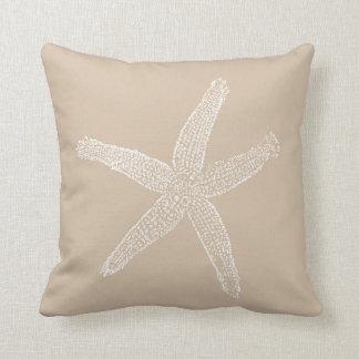 Ejemplo de las estrellas de mar del vintage en la almohadas