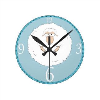 Ejemplo de las ovejas reloj redondo mediano
