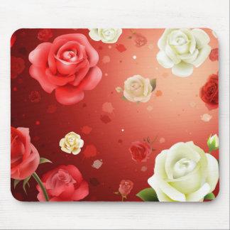 ejemplo de los rosas blancos y rojos alfombrillas de ratón