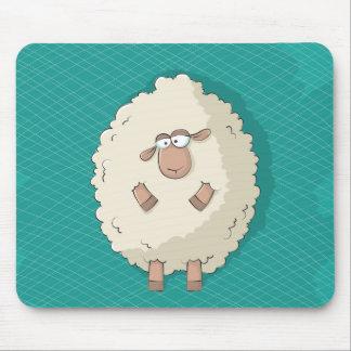 Ejemplo de una oveja gigante linda y divertida mousepad