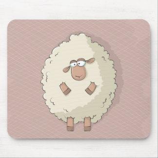 Ejemplo de una oveja gigante linda y divertida tapetes de ratón
