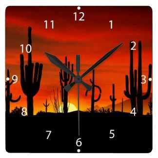 Ejemplo del árbol del cactus cuando la puesta del reloj cuadrado