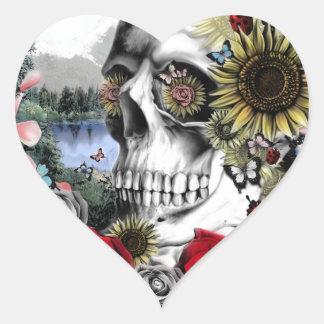 Ejemplo del cráneo del paisaje pegatina en forma de corazón