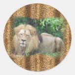 Ejemplo del león pegatina redonda