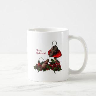 Ejemplo del navidad: Ratones, Toadstool, acebo, Taza Básica Blanca
