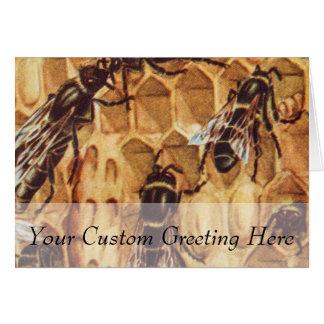 Ejemplo del vintage, abejas en una colmena tarjeta de felicitación