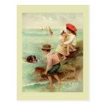 Ejemplo del vintage de la playa tarjeta postal
