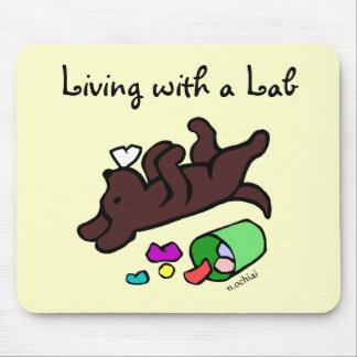 Ejemplo divertido del dibujo animado de Labrador d Alfombrilla De Ratón