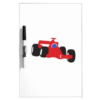 Ejemplo el competir con auto impreso en las tableros blancos