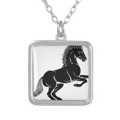 Ejemplo estilizado del caballo colgante cuadrado