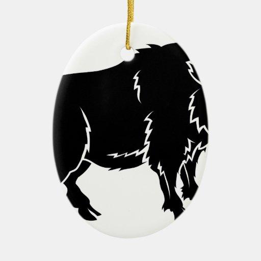 Ejemplo estilizado del verraco adorno navideño ovalado de cerámica
