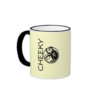 Ejemplo fresco del mono taza de café