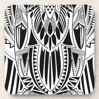 Ejemplo modelado estilo tribal fresco del búho posavasos de bebida