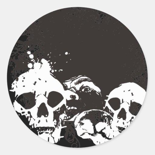 Ejemplo negro y blanco de los cráneos del Grunge Pegatina Redonda