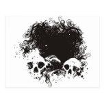 Ejemplo negro y blanco de los cráneos del Grunge Tarjeta Postal