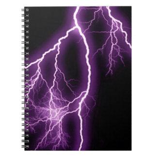 Ejemplo púrpura del relámpago libreta