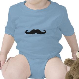 Ejemplo retro de los bigotes del gentelman camiseta