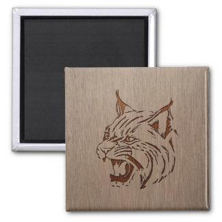 Ejemplo salvaje grabado en el diseño de madera imán cuadrado