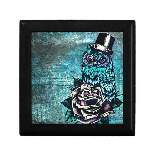 Ejemplo texturizado colorido del búho en base del  joyero cuadrado pequeño