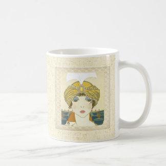 Ejemplo Turbaned de la moda de los 1900s de Poiret Taza Clásica