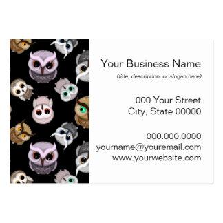 Ejemplos lindos del búho sobre fondo negro plantilla de tarjeta de negocio