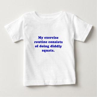 Ejercicio Consists of rutinario que hace las Tee Shirt