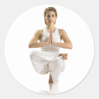 Ejercicio de la yoga pegatinas redondas