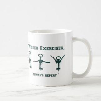 Ejercicios divertidos del invierno tazas de café