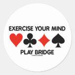 Ejercite su puente del juego de la mente (cuatro pegatina redonda