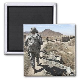 Ejército nacional afgano y soldados de los imán cuadrado