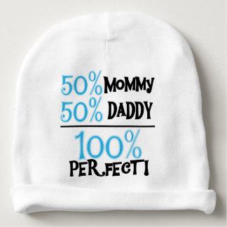 El 100 por ciento perfecciona el azul gorrito para bebe