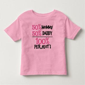 El 100 por ciento perfecciona rosa playera de niño