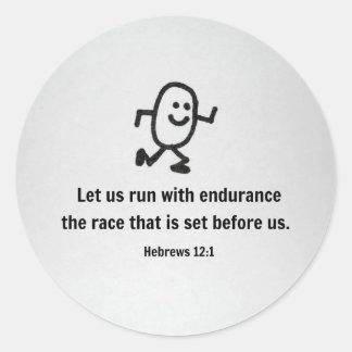 El 12:1 de los hebreos nos dejó correr con pegatina redonda