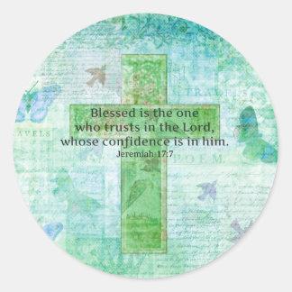 El 17:7 Blessed de Jeremiah es la cruz del verso Pegatina Redonda