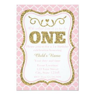 """El 1r cumpleaños del brillo rosado del oro invita invitación 4.5"""" x 6.25"""""""