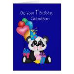El 1r cumpleaños, la panda y los globos del nieto tarjeta de felicitación