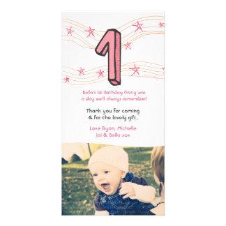 El 1r cumpleaños número 1 del bebé le agradece tarjeta fotográfica personalizada