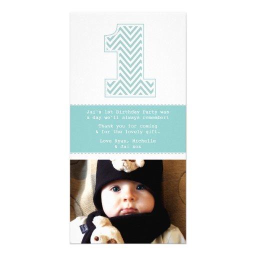 El 1r cumpleaños número 1 del bebé le agradece tarjetas con fotos personalizadas