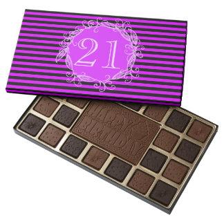 El 21ro cumpleaños Swirly negro púrpura de las Caja De Bombones Variados Con 45 Piezas