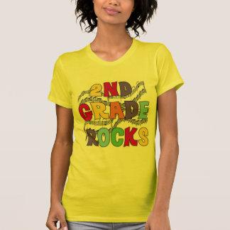 El 2do grado multicolor oscila las camisetas y los playera