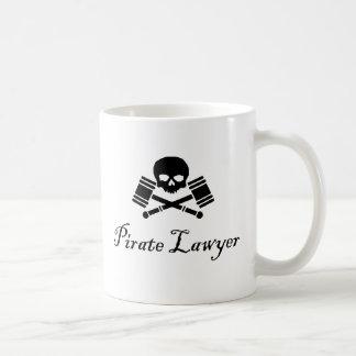 El abogado del pirata hostil asume el control la taza