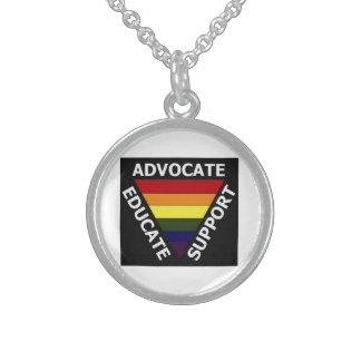 El abogado educa los derechos de los homosexuales collar de plata esterlina