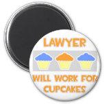 El abogado… trabajará para las magdalenas imanes para frigoríficos