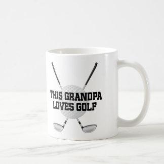 El abuelo ama la taza del regalo del golf