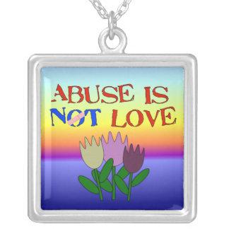 El abuso no es amor colgante cuadrado